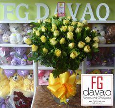 3 Dozen Yellow Roses in A Vase Flowers in A Vase and Chocolates  www.FGDavao.com  #flowers #flowersinavase #flowerarrangement #floral #fleurs #florist #flowershop #fgdavao #flowerdelivery #sendflowers #flowersandgifts