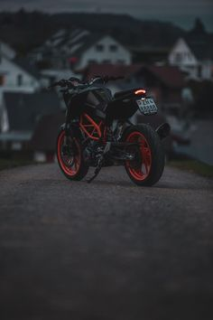 Moto Wallpapers, Cool Live Wallpapers, Bike Pic, Mt Bike, Beautiful Love Images, S Love Images, Black Background Photography, Photo Background Images Hd, Ktm Super Duke