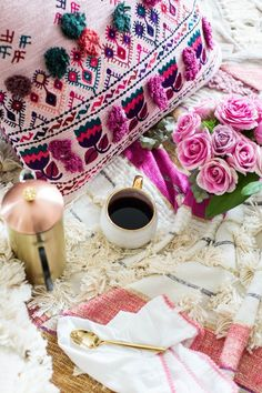 How to Throw a Valentine's Day Inspired Dessert Party this Galentine's Day. Click through for all of the pretty details. | glitterinc.com | @glitterinc #CoffeeBeans