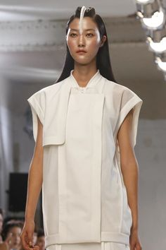 Hexa by Kuho Ready To Wear Spring Summer 2014 Paris - NOWFASHION