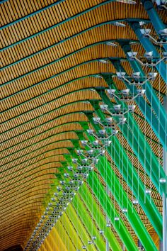 color spectrum of Madrid Barajas Airport's structural elements