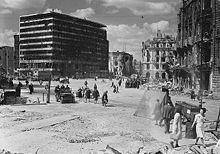 #CiudadesMártires2aGuerraMundial #Berlin, 1945. Plaza de Potsdam.