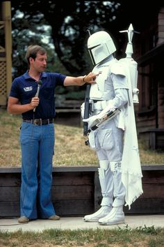 Duwayne Dunham models the first version of the Boba Fett suit as Ben Burtt narrates.