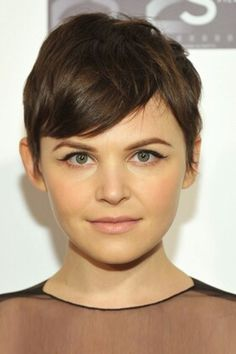 Short haircuts for women .Do you love short hair cuts? We've got all your short hair favorites from layered bobs to crops and pixies. Come on in, and check it out now! Ginnifer Goodwin with a pixie haircut with a deep side part Pixie Haircut For Round Faces, Short Hair Cuts For Round Faces, Round Face Haircuts, Short Pixie Haircuts, Hairstyles For Round Faces, Hairstyles Haircuts, Cool Hairstyles, Pixie Cut Round Face, Celebrity Hairstyles