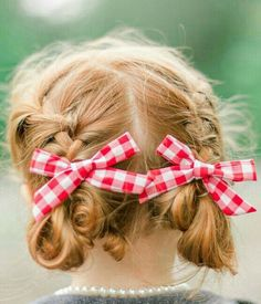 Our Mini bow pigtail set is always made with quality fabric, and designed with the utmost trend and style. All mini bow pigtail sets come attached with a clip in alternate directions. You pick any col Date Hairstyles, Cool Hairstyles, Kawaii Hairstyles, Red Cottage, Cozy Cottage, Red Gingham, Cute Images, Little Red, Green And Orange