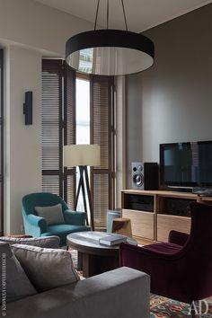 Гостиная-столовая. Антикварный килим приобретен в путешествии по Испании.