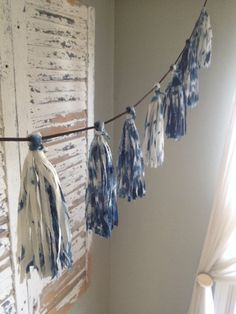 Camping party banner buntings 28 ideas for 2019 Tassle Garland, Fabric Garland, Tassels, Fabric Scraps, Fabric Tape, Home And Deco, Diy Projects To Try, Shibori, Baby Boy Shower