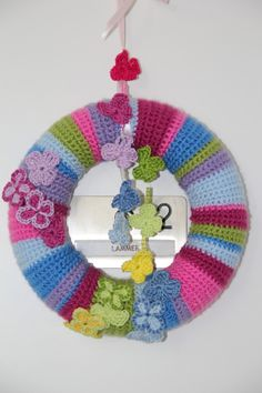 Butterfly wreath free pattern english with step by step instructions!