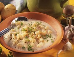 The Potato Soup recipe out of our category Vegetable Soup! EatSmarter has over healthy & delicious recipes online. Parsley Potatoes, Eat Smarter, Potato Soup, Cheeseburger Chowder, Risotto, Yummy Food, Vegetables, Cooking, Healthy