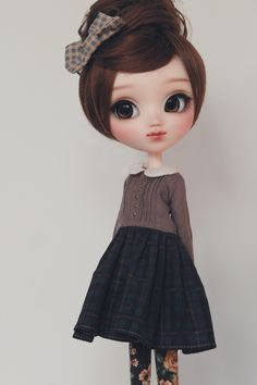 I know this is a dolly but I like her style :3