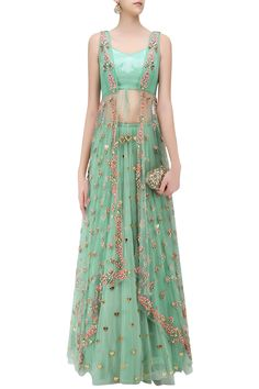 Indian Designer Outfits, Designer Dresses, Indian Dresses, Indian Outfits, Traditional Fashion, Traditional Dresses, Indian Attire, Bridal Outfits, Bollywood Fashion