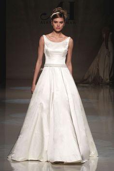 alan hannah LIBBY full Duchess satin dress pearl and crystal detailing s8/10