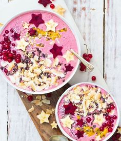 Buckwheat beet smoothie bowls ✨ topped with toasted coconut, cacao nibs, passion fruit, buckinis, coconut sprinkles, beet stars and banana stars