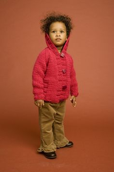 Knit Child's Raglan Cardigan in Lion Brand Wool-Ease Chunky - Discover more Patterns by Lion Brand at LoveKnitting. The world's largest range of knitting supplies - we stock patterns, yarn, needles and books from all of your favorite brands. Cardigan Pattern, Crochet Cardigan, Knit Crochet, Hoodie Pattern, Hooded Cardigan, Knitted Baby, Hooded Jacket, Lion Brand Patterns, Baby Patterns