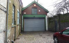 Disused garage in London sells for £550,000 making it the most expensive in Britain