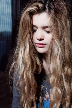 EXACT hair color i want<3 I think a lot of people with light skin and dark brown eyebrows make a mistake of going too blonde too soon. But this is more of a dirty blonde with subtle highlights and still some light brown hair color<3 love it, want it