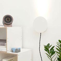 Witte wand lamp 18OD, kukka   MONOQI, 159€