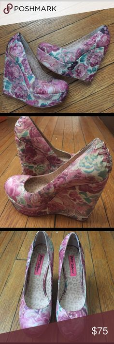 Betsey Johnson Floral Reilly corset wedges Betsey Johnson Floral Reily Wedges featuring a corset in the back. These shoes are so pretty, they remind me of a Monet painting-I could barely get myself to let them go, but I never wear them. -worn 3 times; excellent condition- no scuffs -size 5.5, fits true to size Betsey Johnson Shoes Wedges