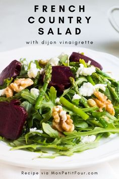 This French country salad is easy, quick, versatile, and a go-to anytime of the year. The delicious dijon French vinaigrette can be used on this salad and many more. French Salad Recipes, Taco Salad Recipes, Healthy Salad Recipes, Italian Recipes, Lettuce Recipes, Taco Salads, French Vinaigrette, Recipes With Cool Whip, Low Calorie Salad
