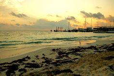 Amanecer en Cancún, Quintana Roo, México.  http://dianawestrup.wordpress.com