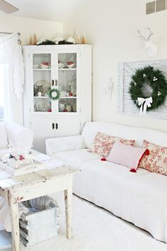 Happy At Home: Holiday Home Tour Part Two: Living Room and Dining Room