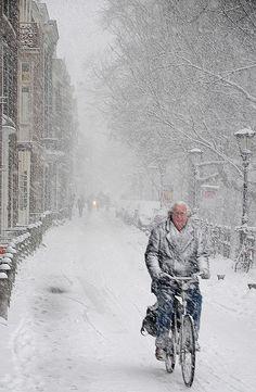 Snow in Utrecht, Holland I Love Snow, I Love Winter, Winter Is Coming, Winter Time, Winter Season, Winter Scenery, Winter Magic, Winter's Tale, Snowy Day