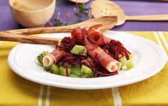 Entrada: Salada de presunto com kiwi e beterraba
