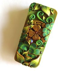 Shamrock Slide Top Tin, Sewing Needle Case , Leprechaun Gold Polymer Clay Covered Tin, Magnetic Needle Case, Slide Tin Treasure Keeper by Claybykim on Etsy