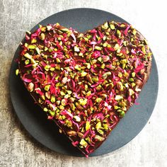 This gluten free beetroot and chocolate cake is grain free, dairy free and delicious. This healthy recipe is nutrients dense and great for any occasion. Healthy Cake, Vegan Cake, Healthy Treats, Healthy Baking, Yummy Treats, Sweet Treats, Healthy Deserts, Vegan Baking, Vegan Desserts