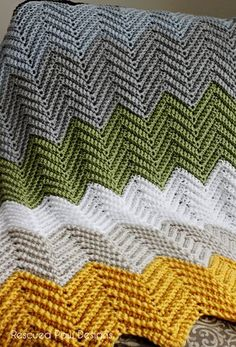 The Wonders Free Chevron Crochet Blanket Pattern || Rescued Paw Designs - Click to Read or Pin and Save for Later!