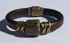 Tortoise Lampwork Regaliz Leather Bracelet by TBeadsGlass on Etsy