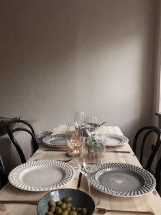 MY FOOD TABLE - DIY- MITT MATBORD – DIY  MY FOOD TABLE – DIY   -#DiningTableapartment #DiningTableinkitchen #DiningTablelighting #uniqueDiningTable #walnutDiningTable Walnut Dining Table, Dining Table In Kitchen, Kitchen Interior, Interior And Exterior, Welcome To My Life, Zen Home Decor, Dining Table Lighting, Luxury Cabin, Interior Decorating