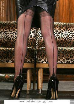 Snygga nylons higheels plus leegs  a Mistress on webben