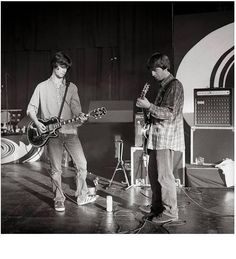 John Squire and Noel Gallagher