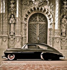 1949 fleetline. I remember this car. My parents had a friend who took us to Glen Echo Park to swim in the crystal pool, go on rides, eat and have a great time in this car!