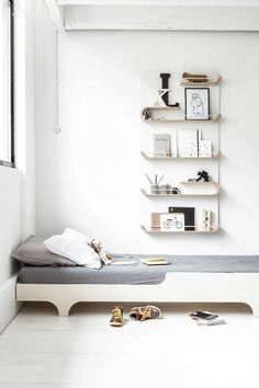 What do your children need next to their beds? A lamp for the night time reading, a place to put their books, a space to display their favourite toys or prints… You need a shelf! Today we show you versatile and stylish shelvesthat lookgreat inyour kid's room, and also in your playroom or kid's study […]