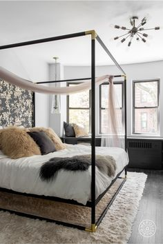 Modern Hollywood Regency In The Upper West Side Bedroomregency Furniturebed