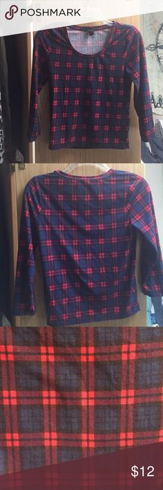 ✨LOWEST✨ Plaid Crop Top Super cute plaid crop top. Elbow length sleeves. Very soft and warm material. Good for the fall with high waisted jeans. Like new condition. Forever 21 Tops Crop Tops