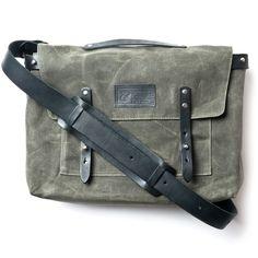 WAXED CANVAS MESSENGER BAG (ARMY)