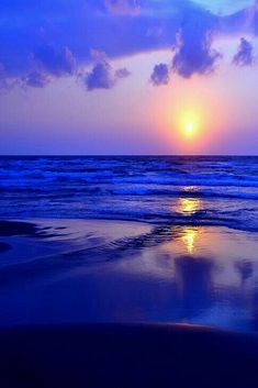 Nature photography sunrise scenery Ideas for 2019 All Nature, Amazing Nature, Nature Beach, Beautiful Sunrise, Sunset Beach, Blue Sunset, Beach Sunsets, Belle Photo, Pretty Pictures