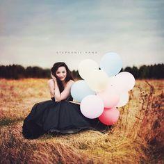Vintage effect. #ballons #ballonsphotography #beautifulgirl