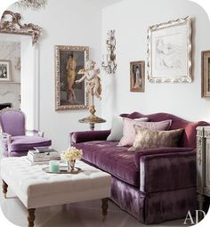 Lovely purple & lavender shabby chic room. lOvE it!