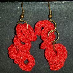 Pendientes de circulos rojos