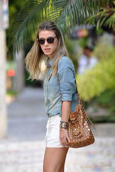 Summer Look | Camisa jeans chambray, short chamois branco, bolsa Marc Jacobs, maxi colar