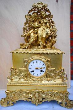 Grote brons vuurvergulde franse klok - periode 1830