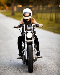 10 Reasons to date a Biker Chick Bobber Motorcycle, Bobber Chopper, Lady Biker, Biker Girl, Chicks On Bikes, Moto Style, Biker Chick, Harley Davidson Motorcycles, Bike Life