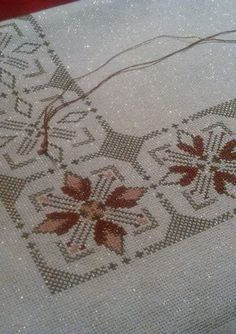 Vintage Embroidered Tablecloth and 11 Napkins Cross Stitch Tree, Cross Stitch Borders, Cross Stitch Charts, Cross Stitch Designs, Cross Stitching, Cross Stitch Patterns, Hardanger Embroidery, Cross Stitch Embroidery, Hand Embroidery