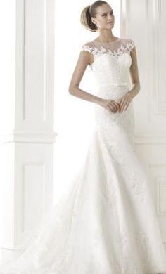 Pronovias Botica: buy this dress for a fraction of the salon price on PreOwnedWeddingDresses.com