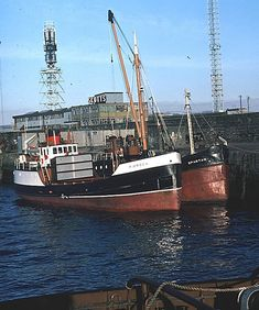 Lee Van Cleef, Boat Art, Old Boats, Steamers, Navy Ships, Fishing Boats, Coasters, Strong, River