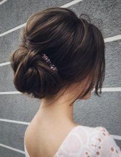 Featured Hairstyle: Lena Bogucharskaya; www.instagram.com/lenabogucharskaya; Wedding hairstyle idea.